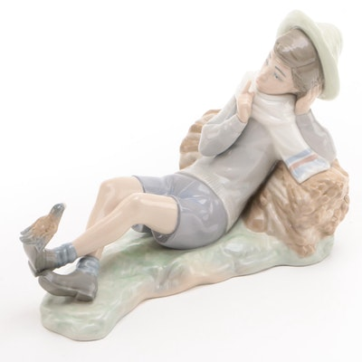 "Llardó ""Shepherd with Bird"" Porcelain Figurine Designed by Vicente Martínez"