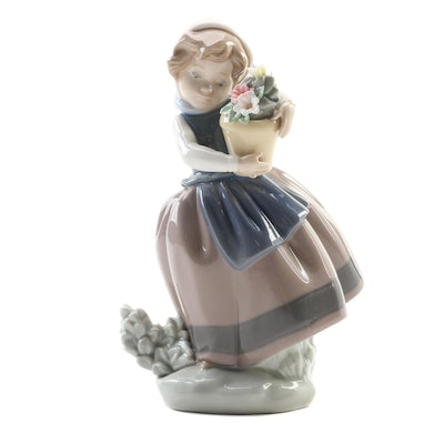 """Lladró """"Spring is Here"""" Porcelain Figurine Designed by José Puche, Late 20th C."""