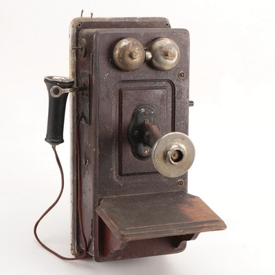 Kellogg Hand-Crank Wall Mount Oak Telephone with Receiver, Early 20th Century