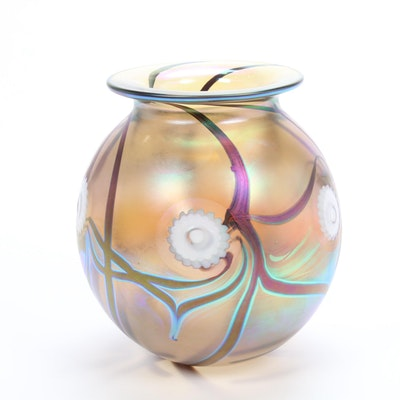 Robert Eickholt Handblown Iridescent Art Glass Vase
