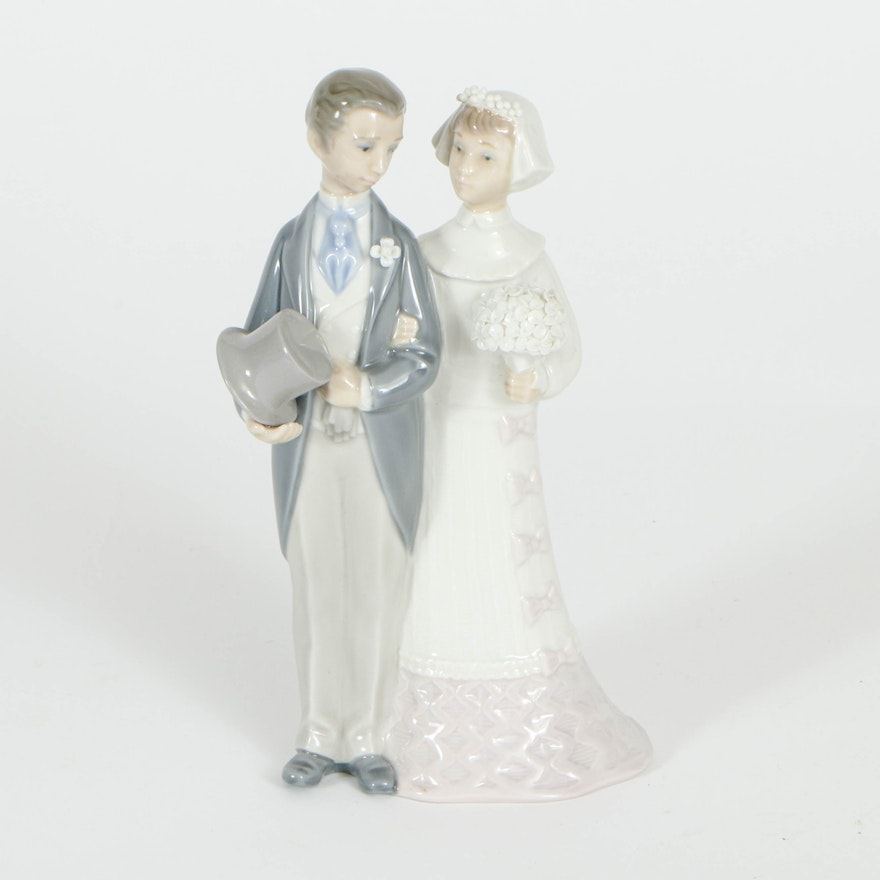 "Lladró ""Wedding"" Porcelain Figurine Designed by Julio Fernández"