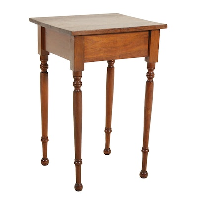 Walnut Turned Leg Accent Table, Early 20th Century
