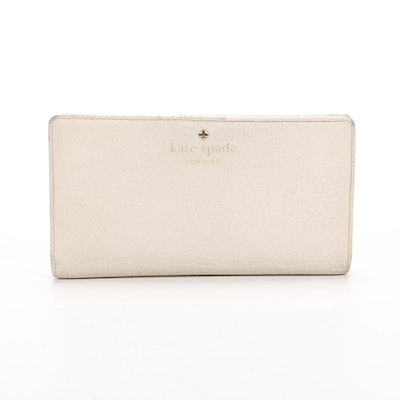 Kate Spade New York Bifold Wallet in Pebble Grain Leather