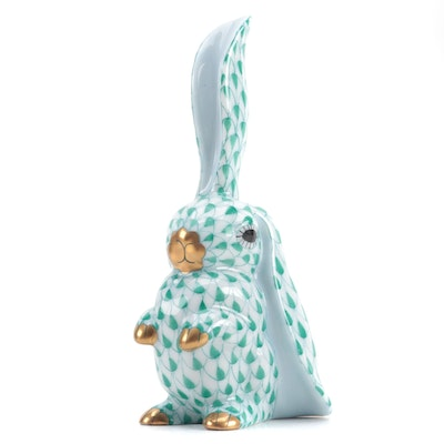 "Herend Green Fishnet with Gold ""Rabbit One Ear Up"" Porcelain Figurine, 1994"