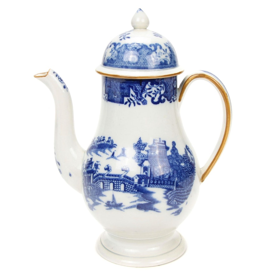 English Chinoiserie-Decorated Porcelain Coffee Pot, Possibly Leeds, circa 1790
