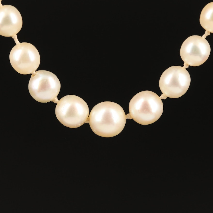 Vintage Graduated Pearl Necklace with 18K Clasp