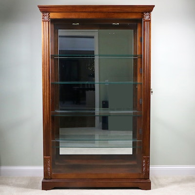 Pulaski Furniture Wood Illuminated Display Cabinet, Late 20th Century
