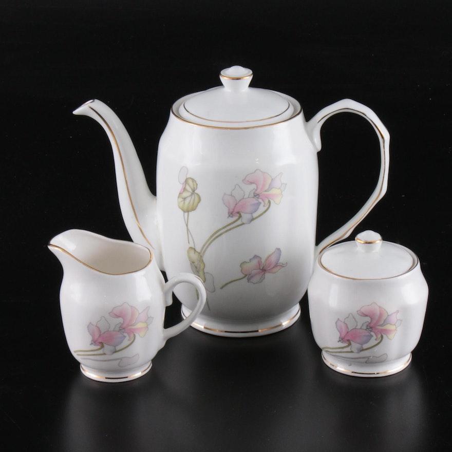 Hitkari Floral Bone China Tea Service, 20th Century