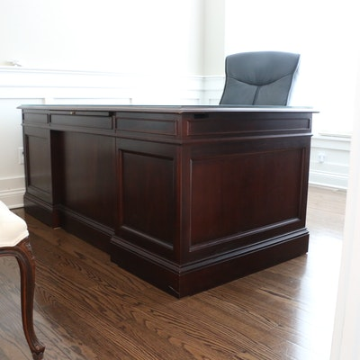 Hekman Mahogany Leather-Inlay Executive Desk with Swivel Chair