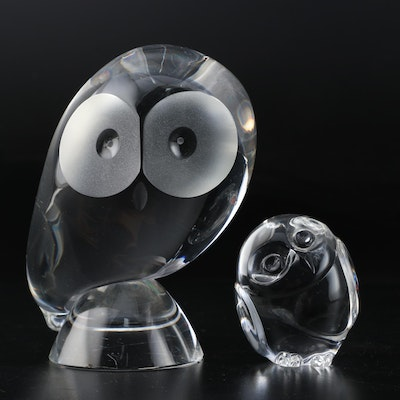 Steuben Crystal Owl Paperweight Designed by Donald Pollard with Hand Cooler
