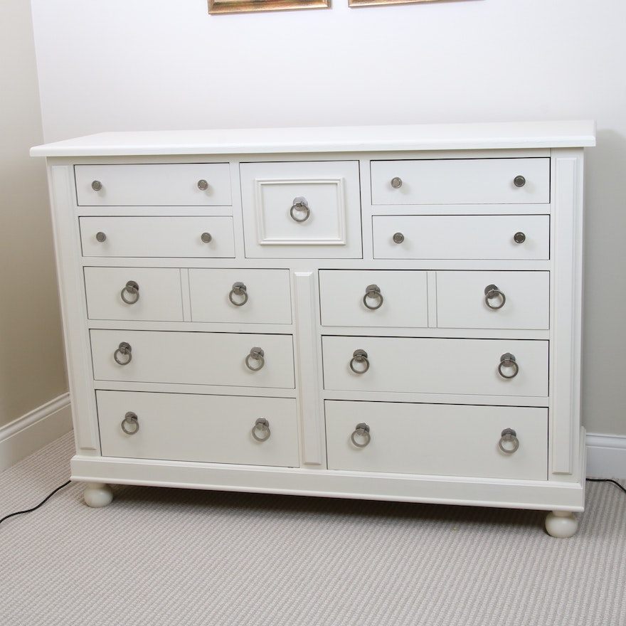Broyhill Farmhouse Style Chest of Drawers, Late 20th Century