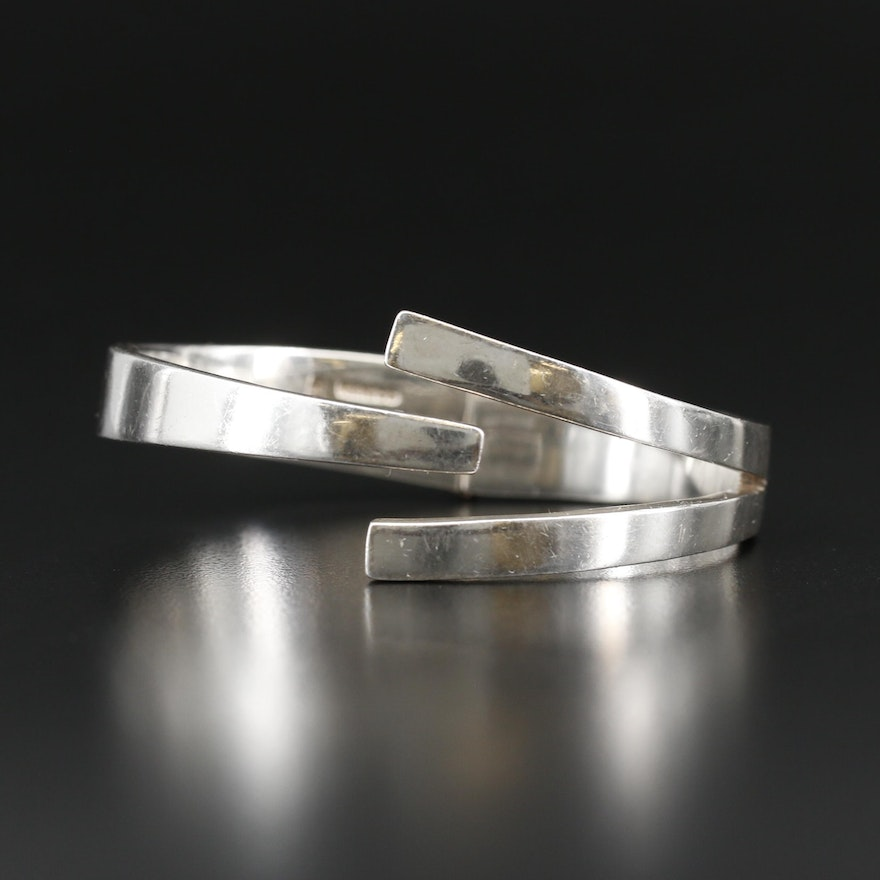 Mexican Sterling Silver Oval Hinged Bangle