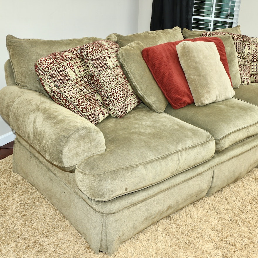 Huntington House Furniture Green Sofa and Decorative Pillows, Contemporary