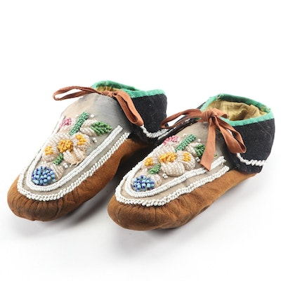 Pair of Iroquois Cloth and Suede Beaded Moccasins, Mid-20th Century