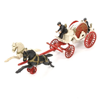 Reproduction Iron Fire Brigade Horse Drawn Horse Carriage with Coachmen