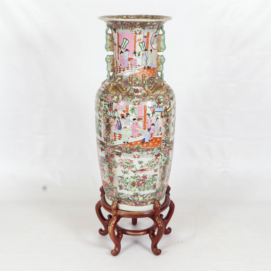 Chinese Rose Medallion Floor Vase, Early to Mid 20th Century