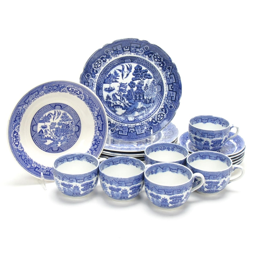 "Anglo-Chinese ""Blue Willow"" Dinnerware, Late 19th/Early 20th Century"