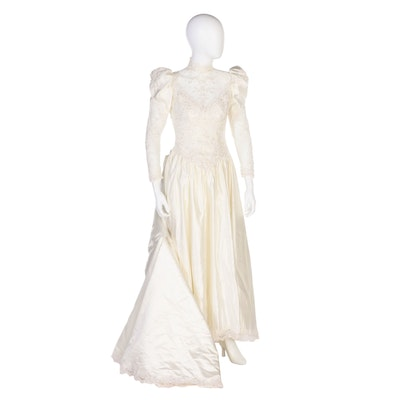 Satin Wedding Dress with Embellished Lace in Ivory with Bow to Back, Vintage