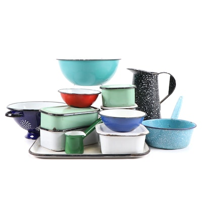 Enameled Metal Cookware and Bakeware Including Splatterware Pattern