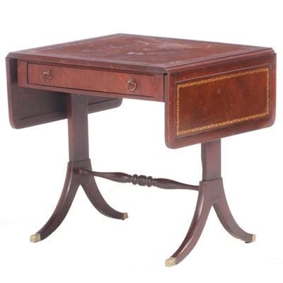 Pogue's of Cincinnati Classical Style Mahogany Drop-Leaf Table, 20th Century