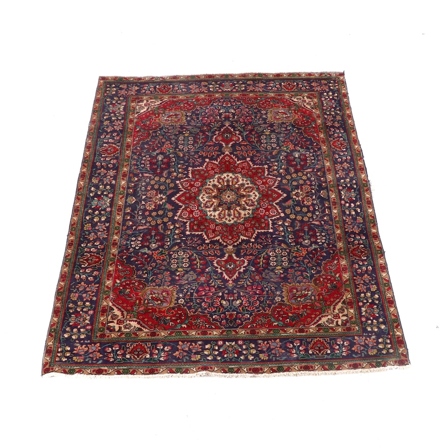 6'9 x 9'7 Hand-Knotted Persian Isfahan Wool Rug