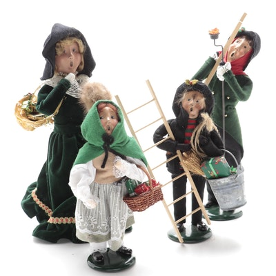 Byers' Choice Ltd. Victorian Family Caroler Figurines