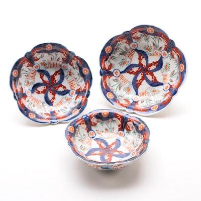 Japanese Imari Scalloped Edge Porcelain Bowls, Early 20th Century