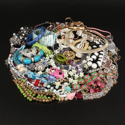 Collection of Jewelry Including Mossy Oak Ring and Pearl Strand Bracelet
