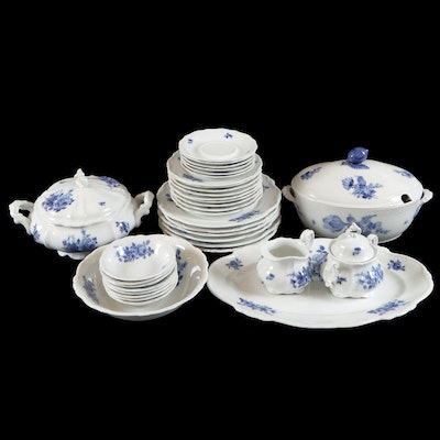 Hertel Jacob Blue Flower Porcelain Dinnerware and Serveware, Mid-20th Century