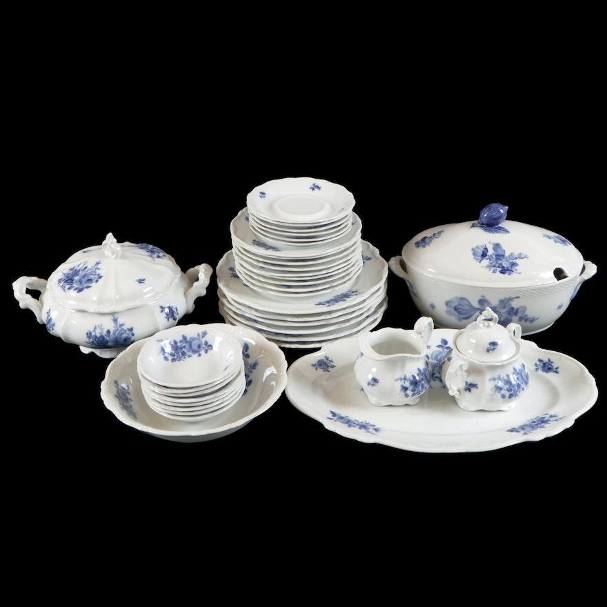 Hertel Jacob Blue Flower Porcelain Dinnerware and Serveware, Mid-20th Century