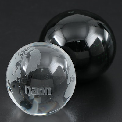 Controlled Bubble and Etched Glass Paperweights