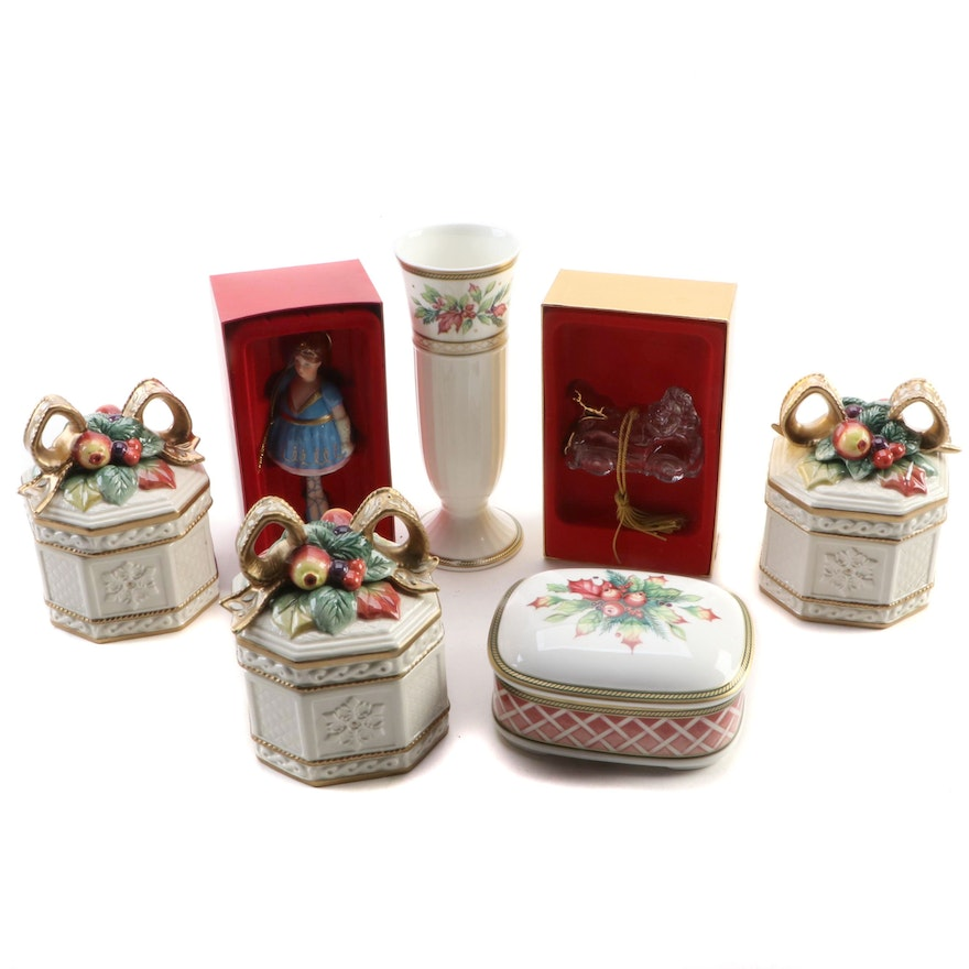 Fitz and Floyd Ceramic Christmas Table Décor with Gorham Crystal Ornament