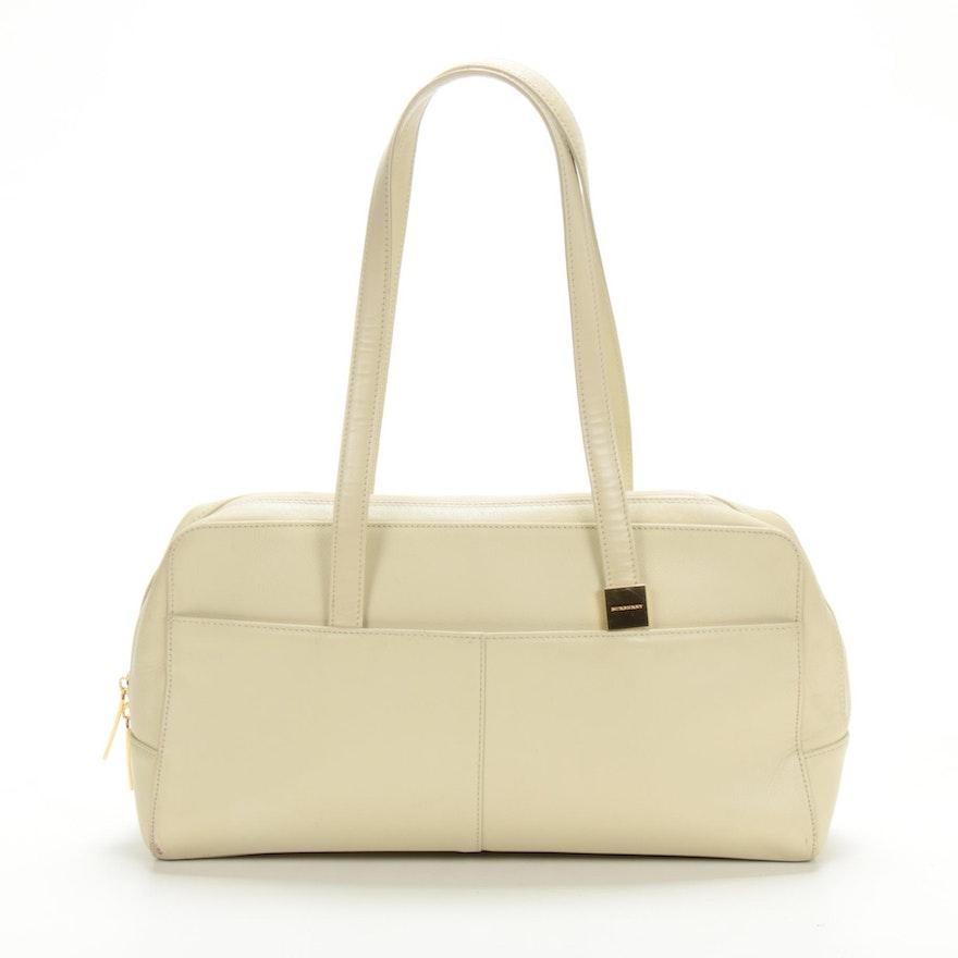 Burberry Shoulder Bag in Ivory Pebbled Leather
