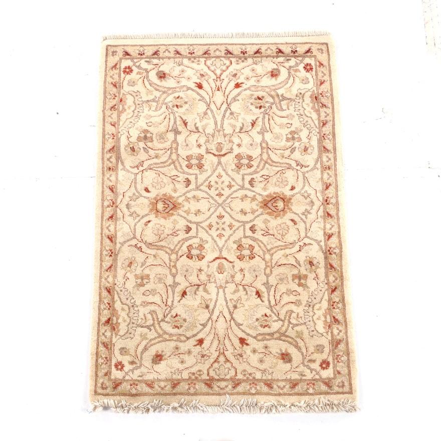 2'6 x 4'3 Hand-Knotted Pakistani Agra Wool Rug