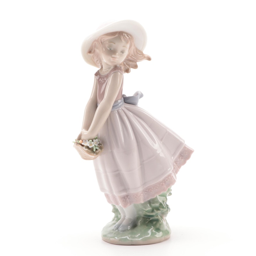 "Lladró Utopia Collection ""Pretty Innocence"" Porcelain Figurine"