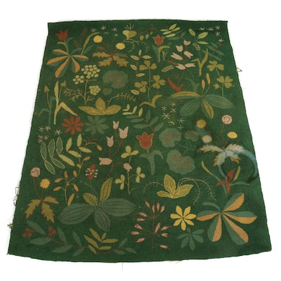 4'4 x 5'6 Hand-Hooked Floral Wool Area Rug