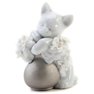 "Lladró ""Dreamy Kitten"" Porcelain Figurine Designed by Juan Huerta"
