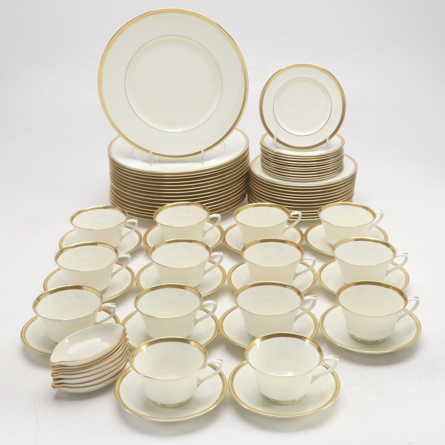 """Royal Worcester """"Coventry"""" Bone China Dinnerware and More, 1965–1971"""