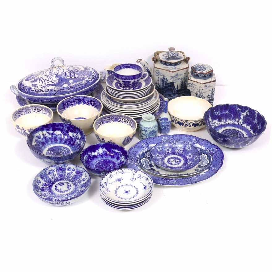 """Blue and White Tableware Including """"Blue Willow"""", 20th Century"""