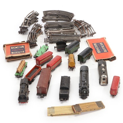 Lionel Locomotive Model 225E, Tender Car, Pullman Cars and More, Mid-20th C.