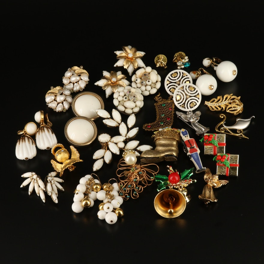 Vintage Jewelry Selection Featuring Weiss, Crown Trifari and Bergère