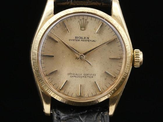 Antiques, Décor,  Vintage Jewelry & Timepieces