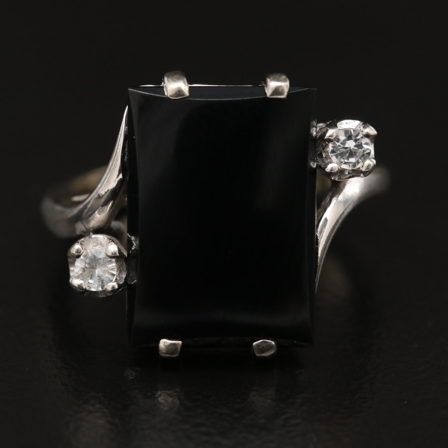 Vintage 10K Black Onyx and Spinel Ring