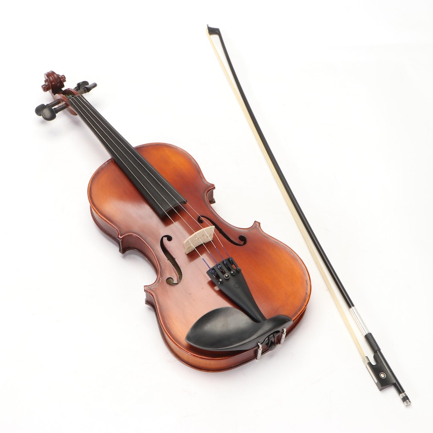 Maple Leaf Strings 4/4 Violin with Bow