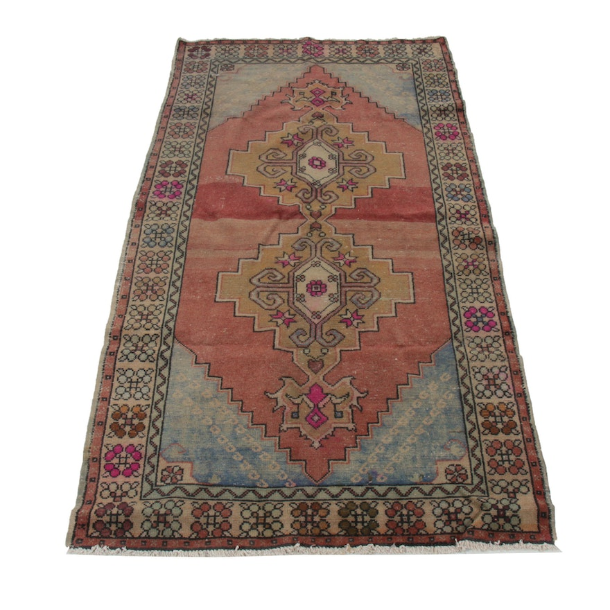 4'7 x 8'10 Hand-Knotted Wool Area Rug