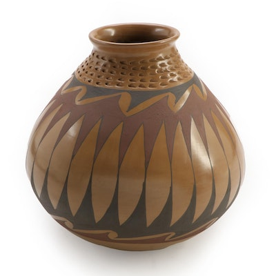 Nicolas Silveira Mata Ortiz Burnished Clay Olla