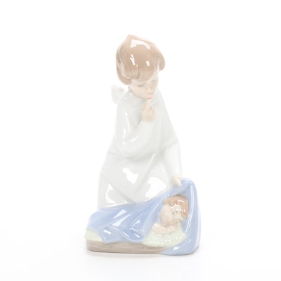 "Lladró Porcelain ""Angel with Baby"" Porcelain Figurine Designed by Juan Huerta"