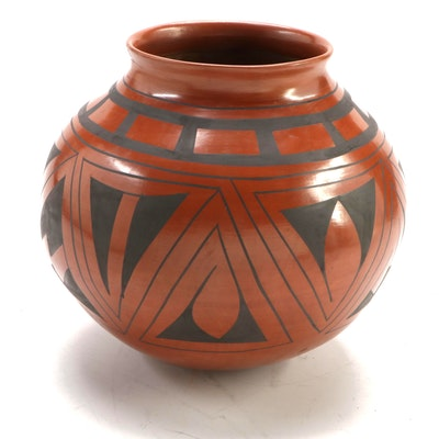 Cande Olivas Mata Ortiz Burnished Clay Olla