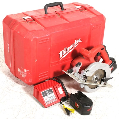 Milwaukee 18 volt 7-1/4 in. Cordless Brushless Circular Saw Kit