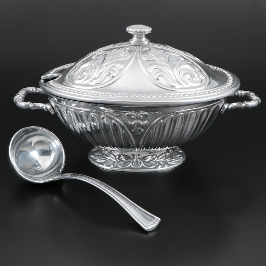 """Lenox """"Butler's Pantry"""" Soup Tureen with Ladle"""